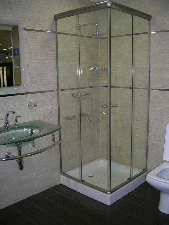 Be cool ideas para disfrutar hidromasajes minipiscinas saunas duchas escocesas y finlandesas - Duchas cabinas ...